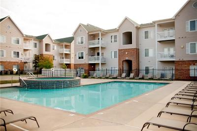 Norman Condo/Townhouse For Sale: 2200 Classen Boulevard #11131