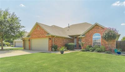 Norman Single Family Home For Sale: 616 Summit Bend