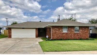 Oklahoma City Single Family Home For Sale: 2121 SW 82nd