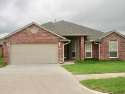 Moore Single Family Home For Sale: 1513 January