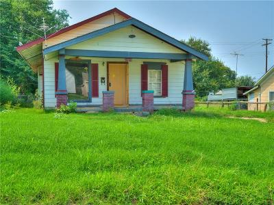 Guthrie Single Family Home For Sale: 719 N Broad
