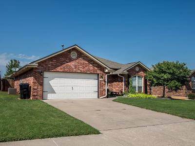 Moore Single Family Home For Sale: 1409 SE 17th
