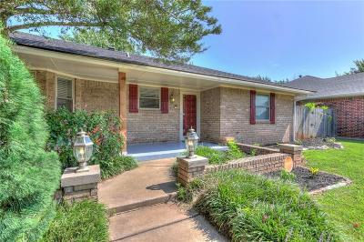 Moore Single Family Home For Sale: 1539 Winding Creek