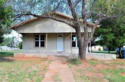 Cordell Single Family Home For Sale: 611 N Cook