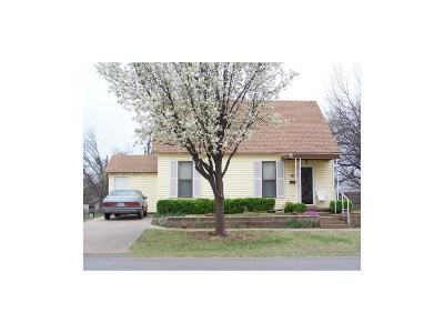 Chickasha Single Family Home For Sale: 319 S 9th