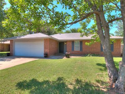 Edmond Single Family Home For Sale: 1005 Mercury Circle