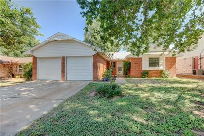 Edmond Single Family Home For Sale: 621 Hawthorne Place