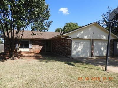 Moore Single Family Home For Sale: 1004 Teak Court