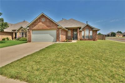 Moore Single Family Home For Sale: 1800 Mead Lane