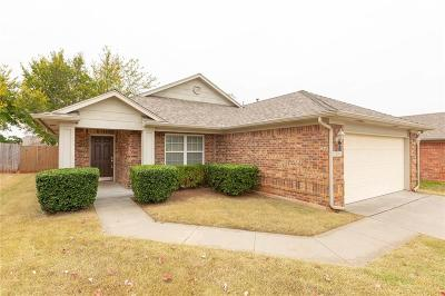 Moore Single Family Home For Sale: 2024 SE 8th Street