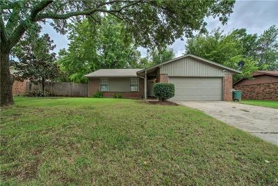 Edmond Single Family Home For Sale: 404 Cherryvale