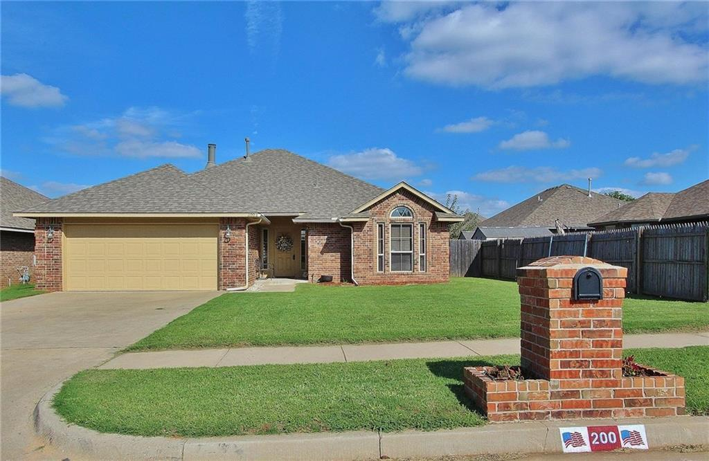 3 Bed 2 Bath Home In Mustang For 159 000