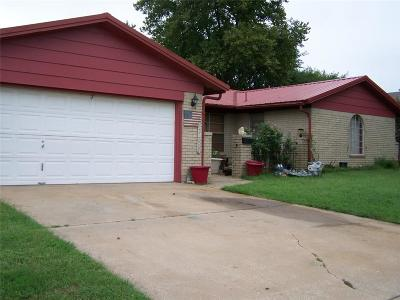 Purcell Single Family Home For Sale: 937 Lovers Lane