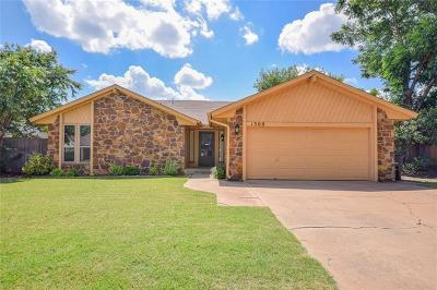 Moore Single Family Home For Sale: 1309 Smoking Tree Street