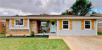 Moore Single Family Home For Sale: 813 Lawton