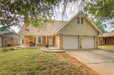 Edmond Single Family Home For Sale: 713 Holly Hill Road