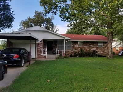 Tecumseh Single Family Home For Sale: 703 E Jefferson Street