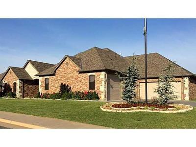 Edmond Single Family Home For Sale: 15409 Sugar Loaf Drive