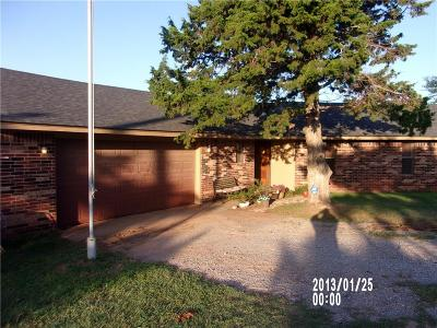 Canadian County Single Family Home For Sale: 7702 N Alfadale