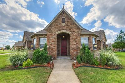 Moore Single Family Home For Sale: 516 Woods Way