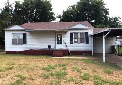Oklahoma City OK Single Family Home For Sale: $31,800