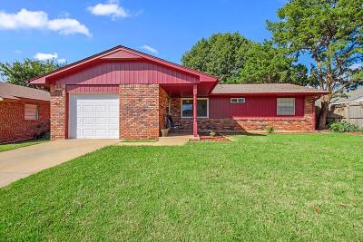 Norman Single Family Home For Sale: 1007 Hunting Horse Trail