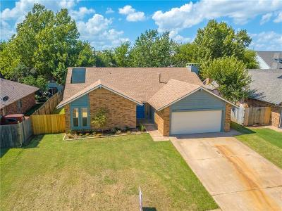 Moore Single Family Home For Sale: 2201 N Lincoln