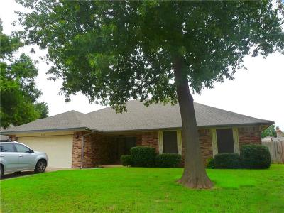 Yukon Single Family Home For Sale: 161 E Vail Drive
