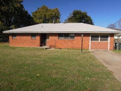 Del City OK Single Family Home For Sale: $76,900