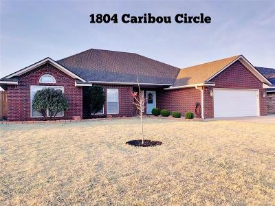 Single Family Home For Sale: 1804 Caribou