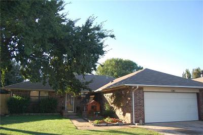 Moore Single Family Home For Sale: 1301 SE 3