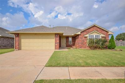 Moore Single Family Home For Sale: 4013 Applegate