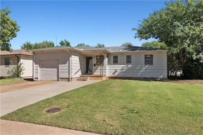 Edmond Single Family Home For Sale: 34 Shirley Ln
