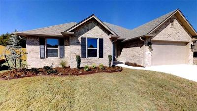 Shawnee Single Family Home For Sale: 1208 Palmer Drive