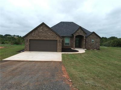 Blanchard Single Family Home For Sale: 1422 County Street 2964