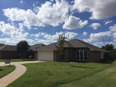 Edmond Single Family Home For Sale: 19381 Melody