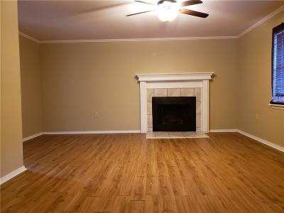 Norman Condo/Townhouse For Sale: 1719 E Lindsey #2