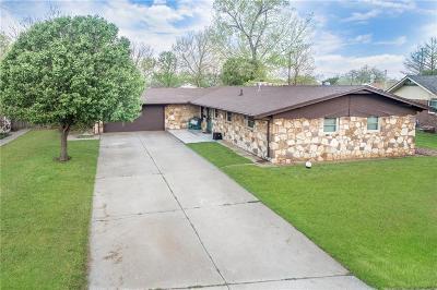 Altus Single Family Home For Sale: 2005 N Mockingbird