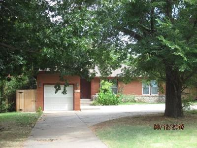 Nichols Hills Single Family Home For Sale: 1101 Bedford Drive