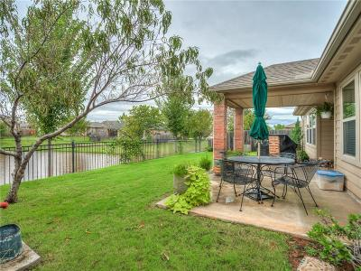 Oklahoma County Single Family Home For Sale: 10601 Westover Avenue