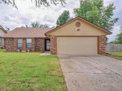Noble Single Family Home For Sale: 606 Silver Maple Lane