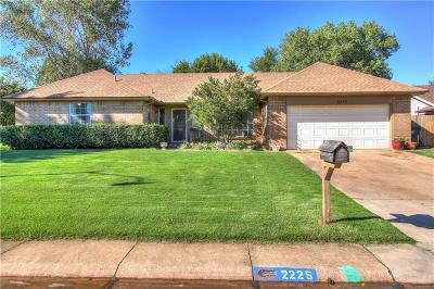 Norman Single Family Home For Sale: 2225 Cottonwood Road