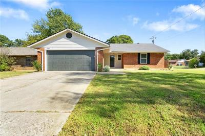 Midwest City Single Family Home For Sale: 500 E Cardinal Place