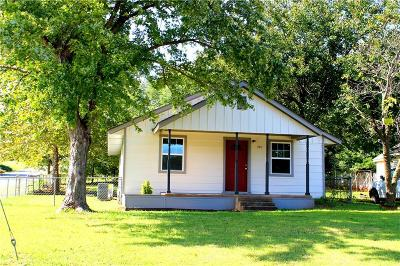 Purcell Single Family Home For Sale: 701 N 2nd Street