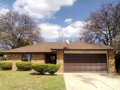 Midwest City Single Family Home For Sale: 1820 Michell Drive