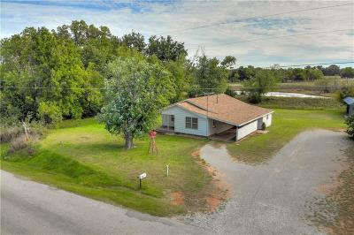 Blanchard OK Single Family Home For Sale: $80,000