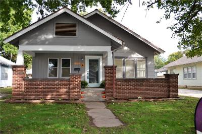 Shawnee Single Family Home For Sale: 534 W Wood Street