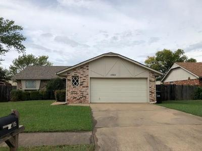 Moore Rental For Rent: 2305 Crystal Drive