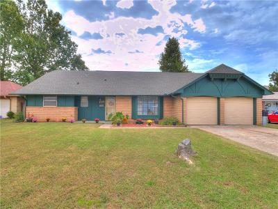 Bethany Single Family Home For Sale: 7524 NW 24th