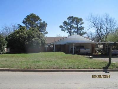 Del City Single Family Home For Sale: 2712 S Bryant
